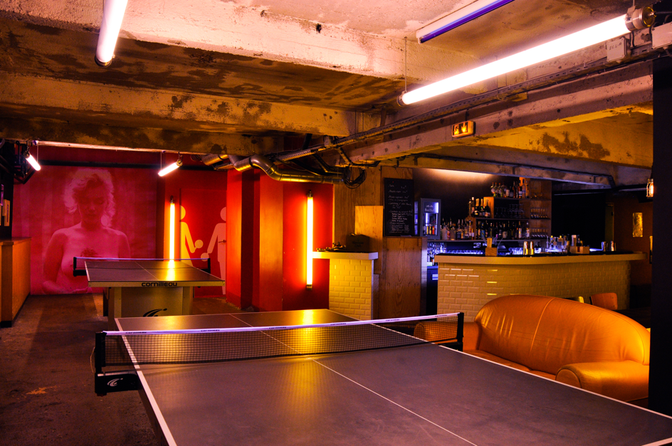 Le Gossima Ping Pong Bar, Chill & Pong