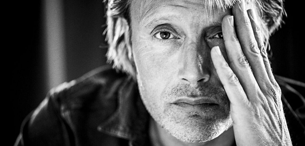 Mads Mikkelsen portrait - Men & Chicken
