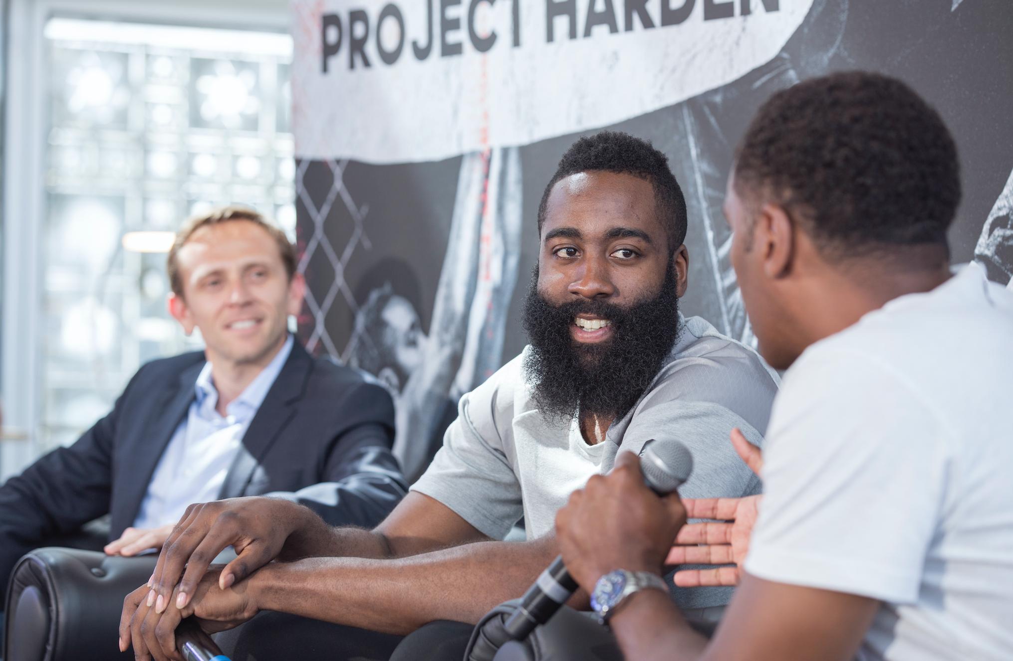 On a rencontré James Harden - Fear The Beard