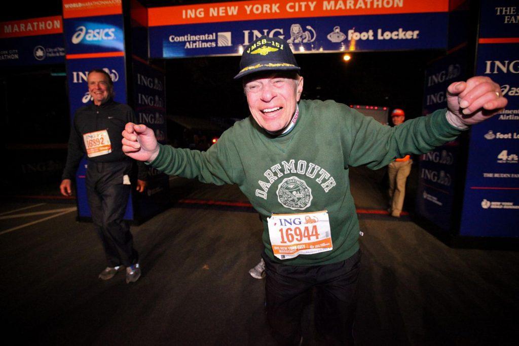 À 96 ans, un vétéran de la Seconde Guerre mondiale finit le marathon de New York