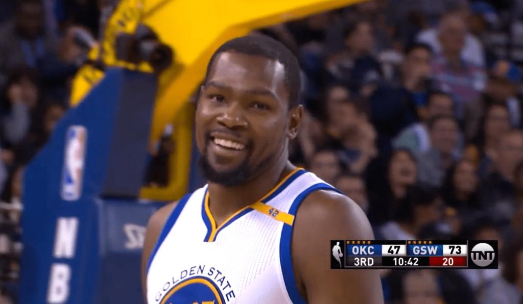 Kevin Durant fait du très sale contre Russell Westbrook et OKC