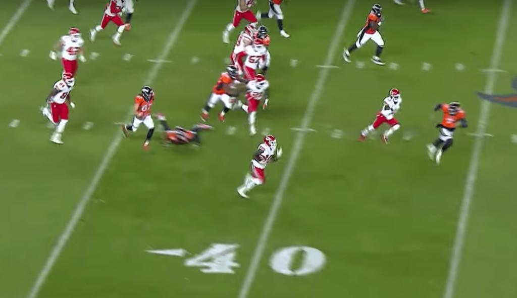 Le TD monstrueux de Hill dans le match fou entre les Chiefs et les Broncos