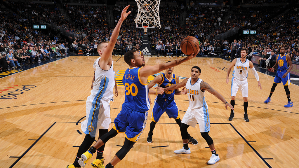 Les Warriors collent une trempe aux Denver Nuggets