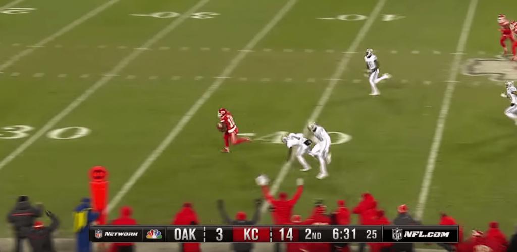 Dans le choc des titans, Ty Hill sort un touchdown venu d'ailleurs