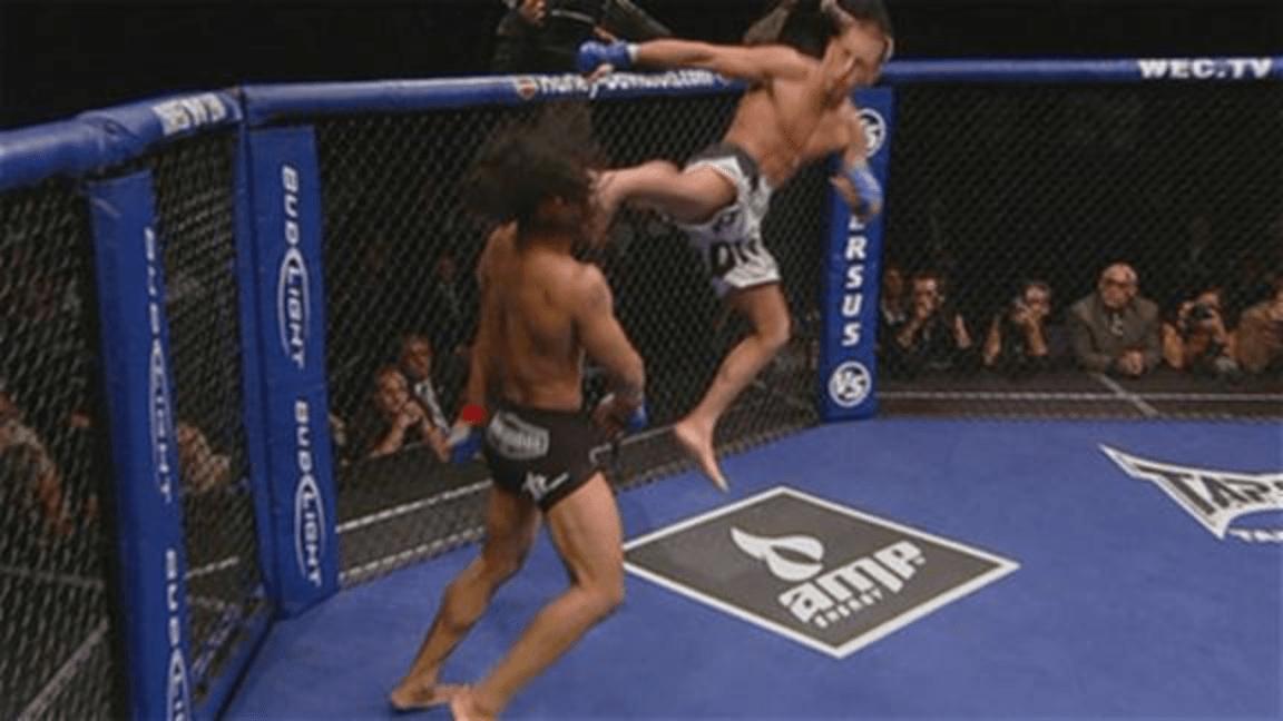Le showtime kick d'Anthony Pettis contre Benson Henderson