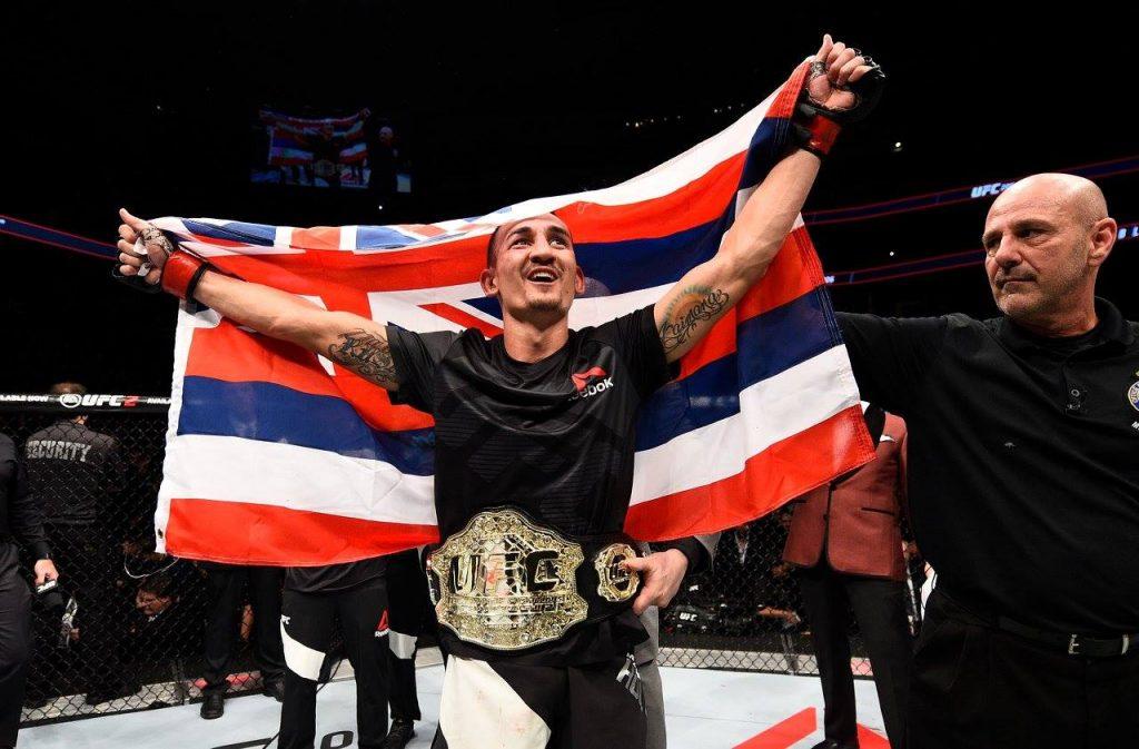 UFC 206 - Max Holloway en démonstration contre Anthony Pettis