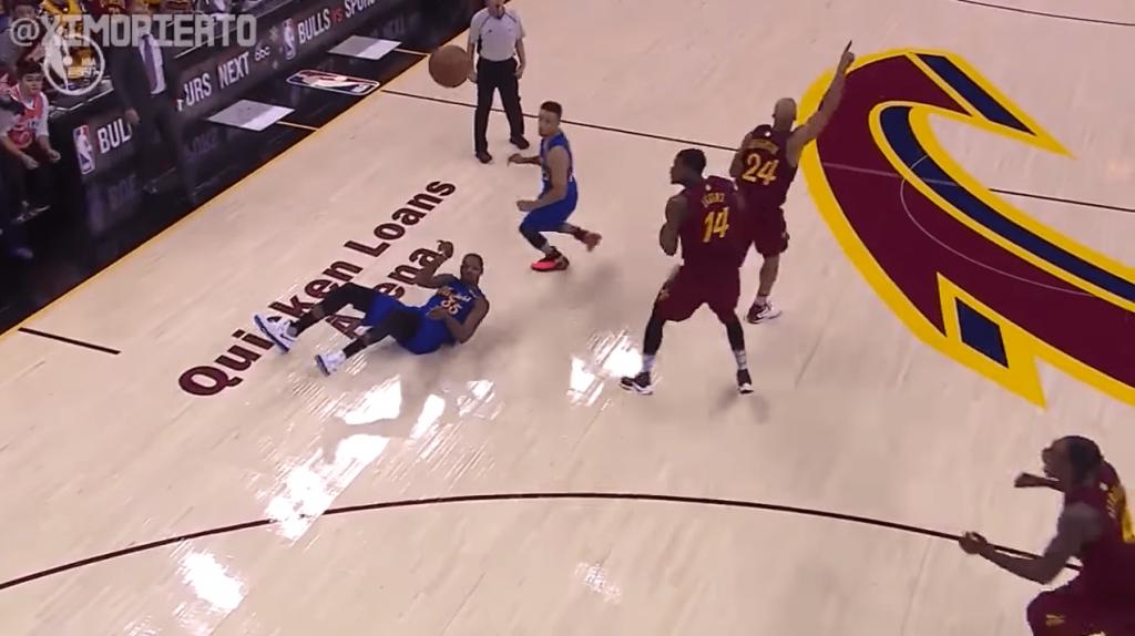 Warriors Cavs faute Durant