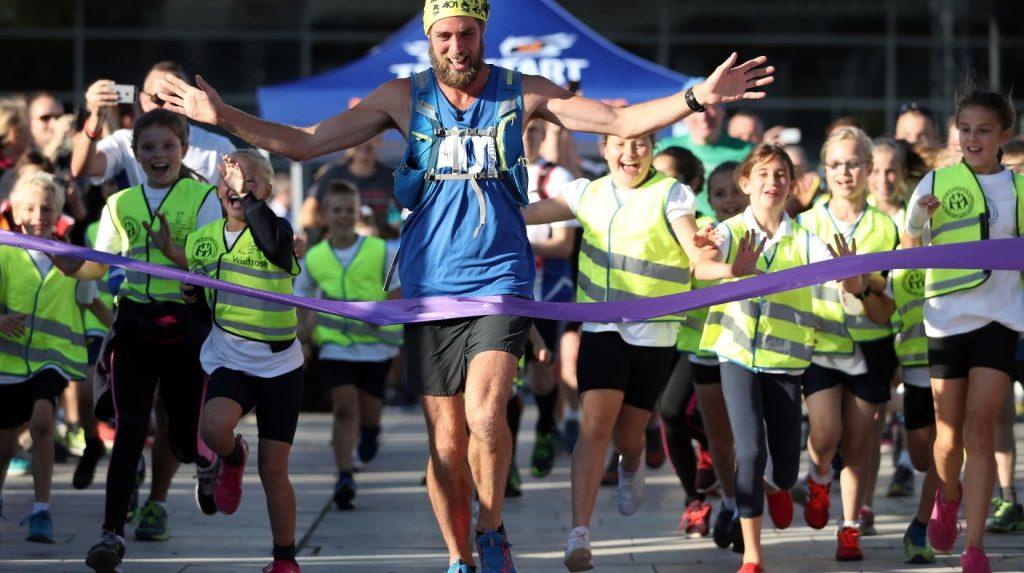 Ben Smith, 401 marathons en 401 jours et un cœur gros comme ça!