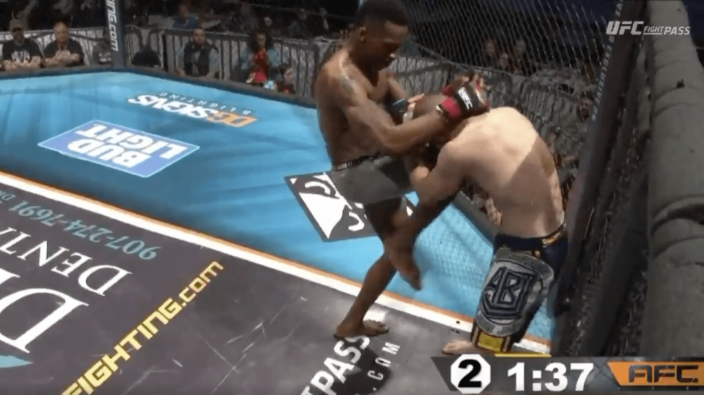 AFC 129 - Jarel Askew explose Charlie Johnson