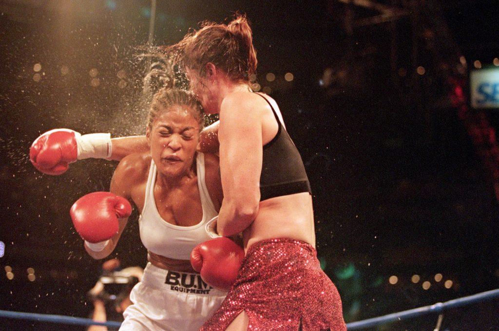 Ali v Frazier IV - Jacqueline Frazier-Lyde vs. Laila Ali
