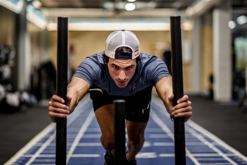 La préparation physique la plus intense pour Carlos Sainz Jr
