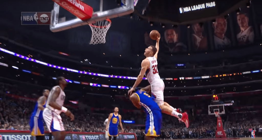 Clippers vs. Warriors - Blake Griffin enterre le pauvre Kevon Looney