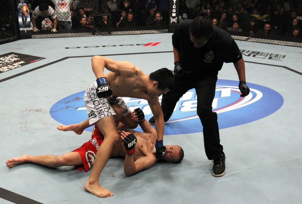 Korean Zombie vs. Mark Hominick – le KO le plus rapide de l'histoire de l'UFC