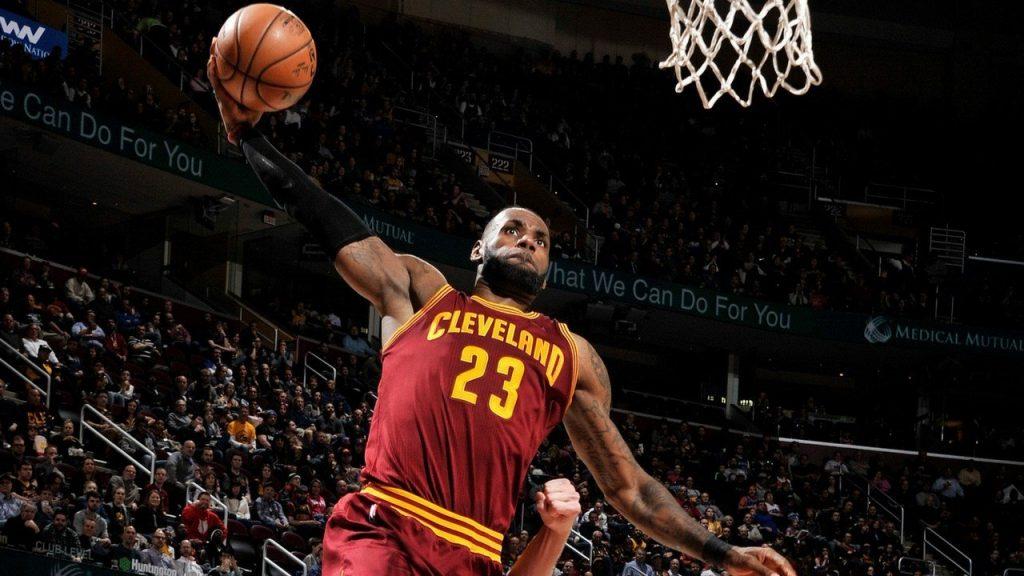 LeBron James royal face aux Minnesota Timberwolves