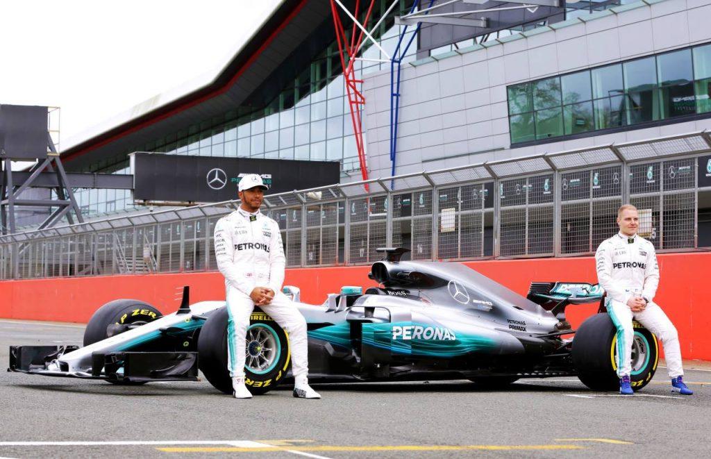 Preview Mercedes 2017 - Valtteri Bottas deviendra-t-il le meilleur ami de Lewis Hamilton?