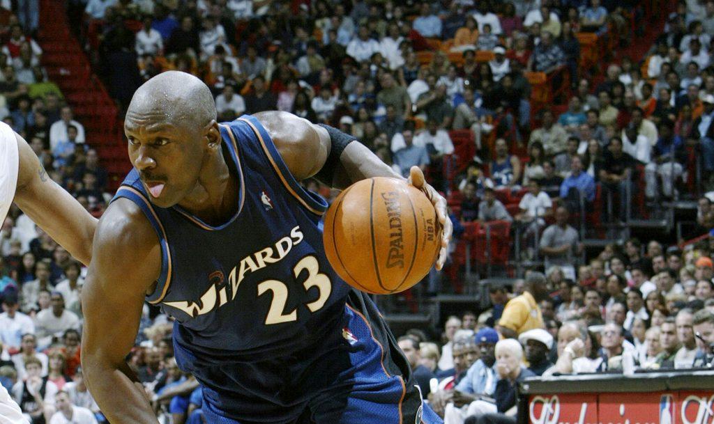Wizards vs. Hornets - Michael Jordan claque 51 points à 38 ans en 38 minutes