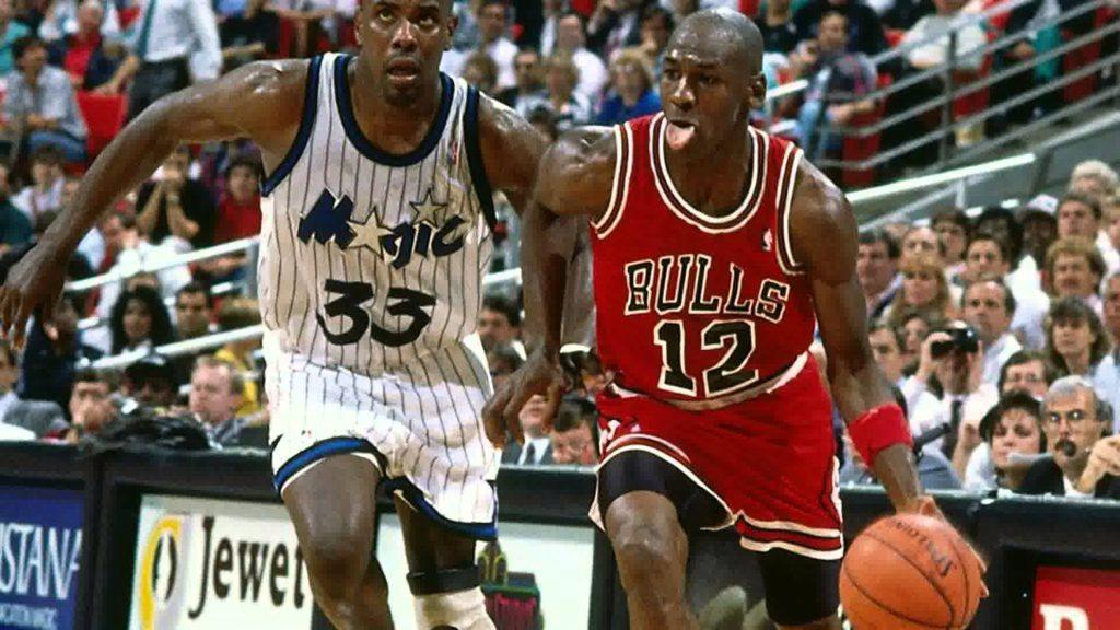 Quand Michael Jordan avait joué avec le numéro 12