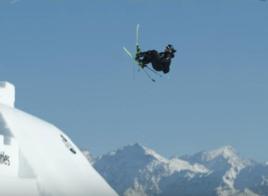Andri Ragettli réussit le premier quad cork 1800 en ski