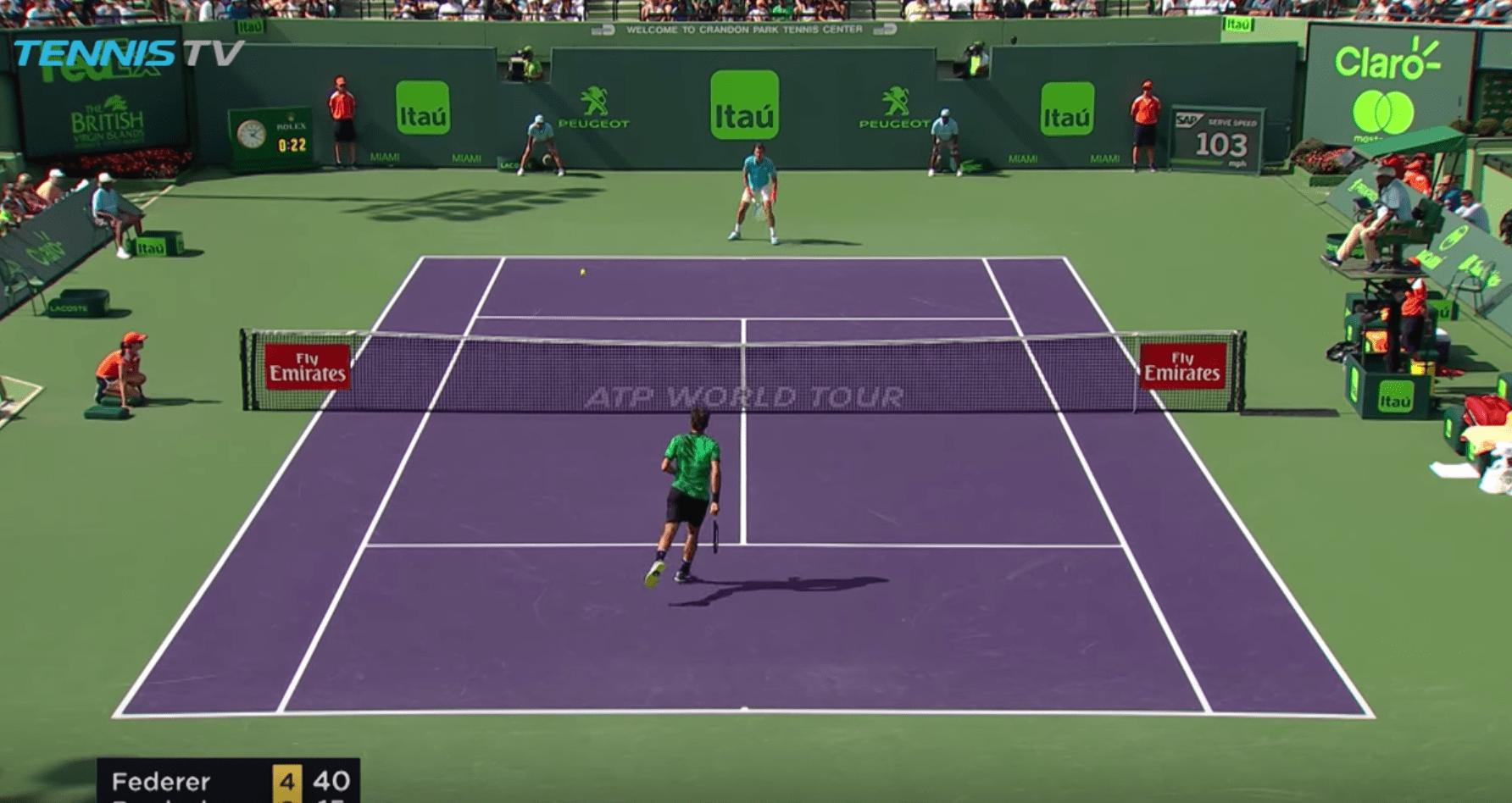 L'amorti génial de Roger Federer qui laisse Tomas Berdych sur place