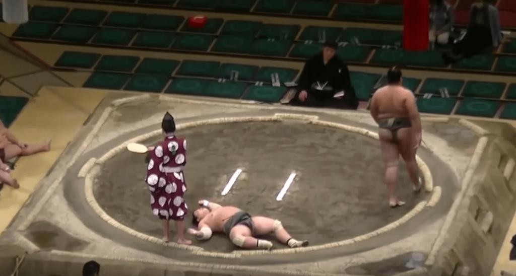 Un KO après une seconde dans un combat sumo