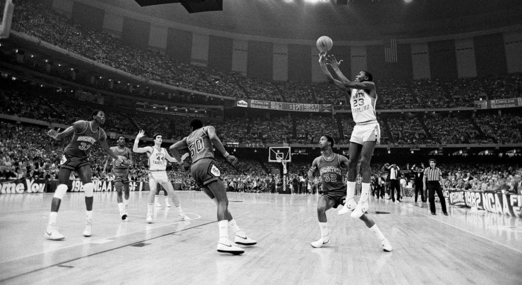 En 1982, Michael Jordan s'offrait le Game-Winner pour le titre NCAA