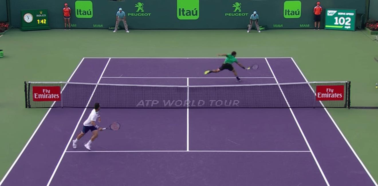 Roger Federer l'emporte contre Roberto Bautista Agut à Miami