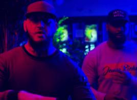 Seth Gueko et Kaaris font un concours de punchlines sur C'est Pas Pareil (Remix)