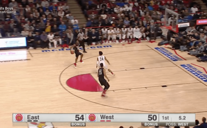 Sexton et son alley-oop dans le dos au McDonald's High School All-American Game