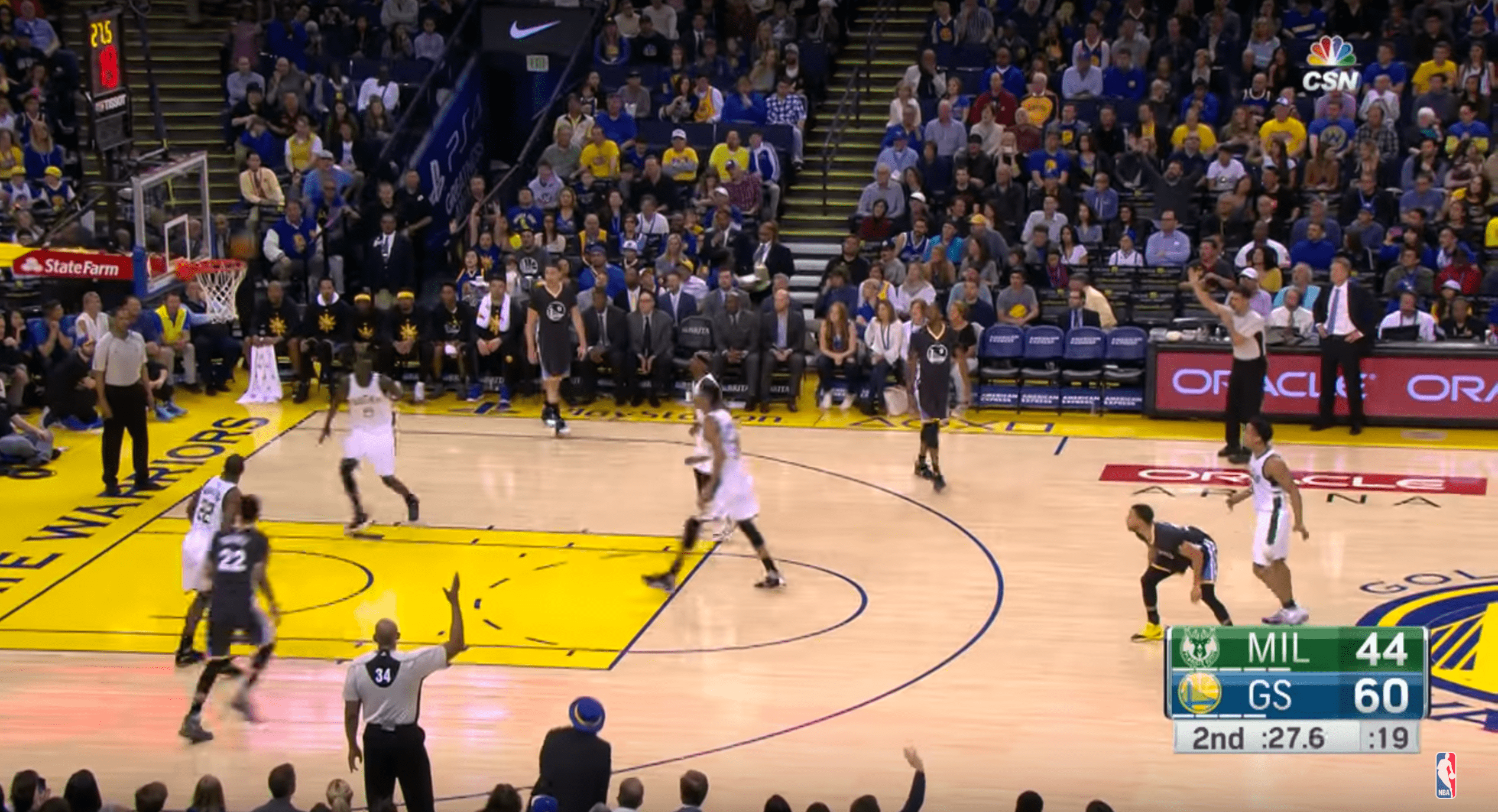 Stephen Curry se réveille contre les Milwaukee Bucks