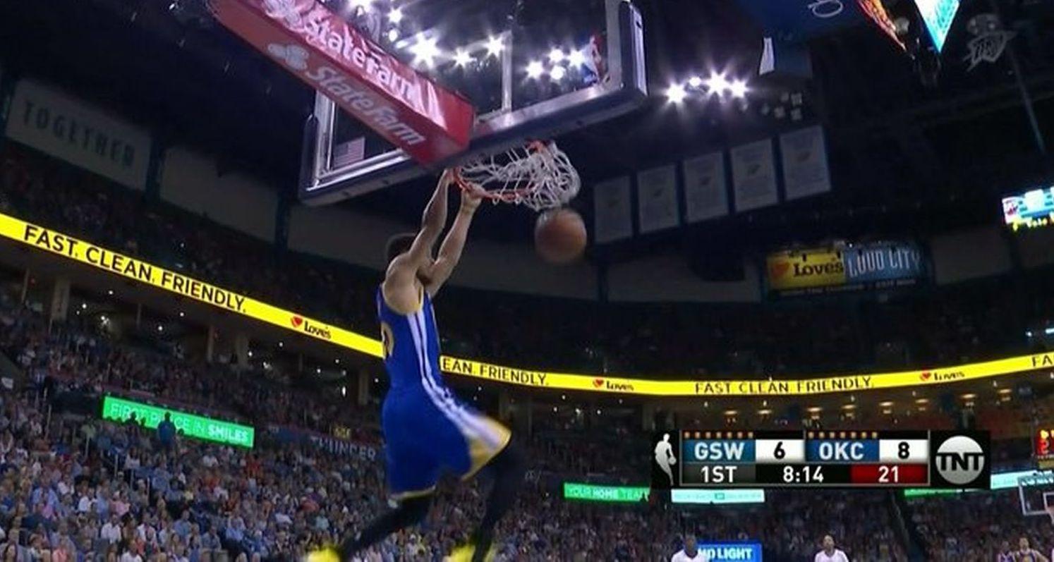 L'air de rien, Stephen Curry a réalisé son premier dunk de la saison
