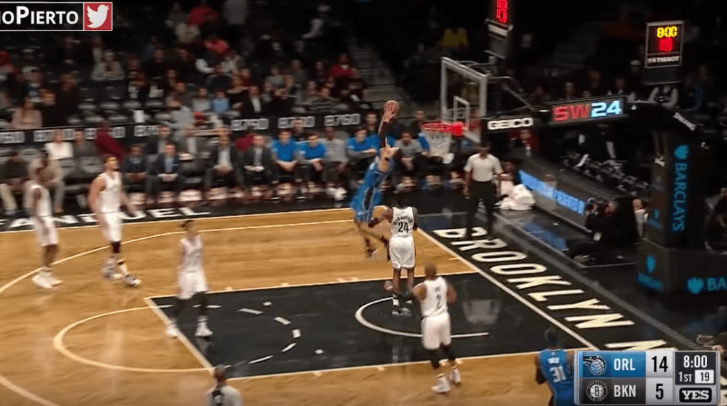 Aaron Gordon en mode A380 contre les Brooklyn Nets