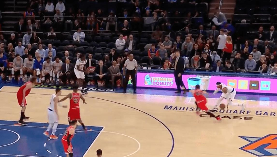 Carmelo Anthony casse les chevilles de Nikola Mirotic et envoie le trois-points lointain