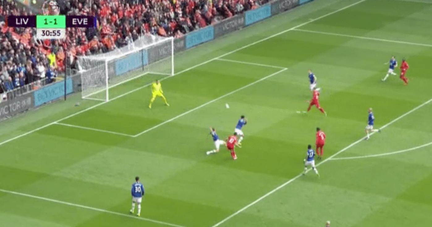 Coutinho redonne l'avantage à Liverpool sur un but incroyable