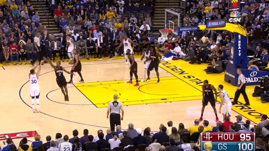 James Harden claque un trois-points, Stephen Curry le calme tout de suite