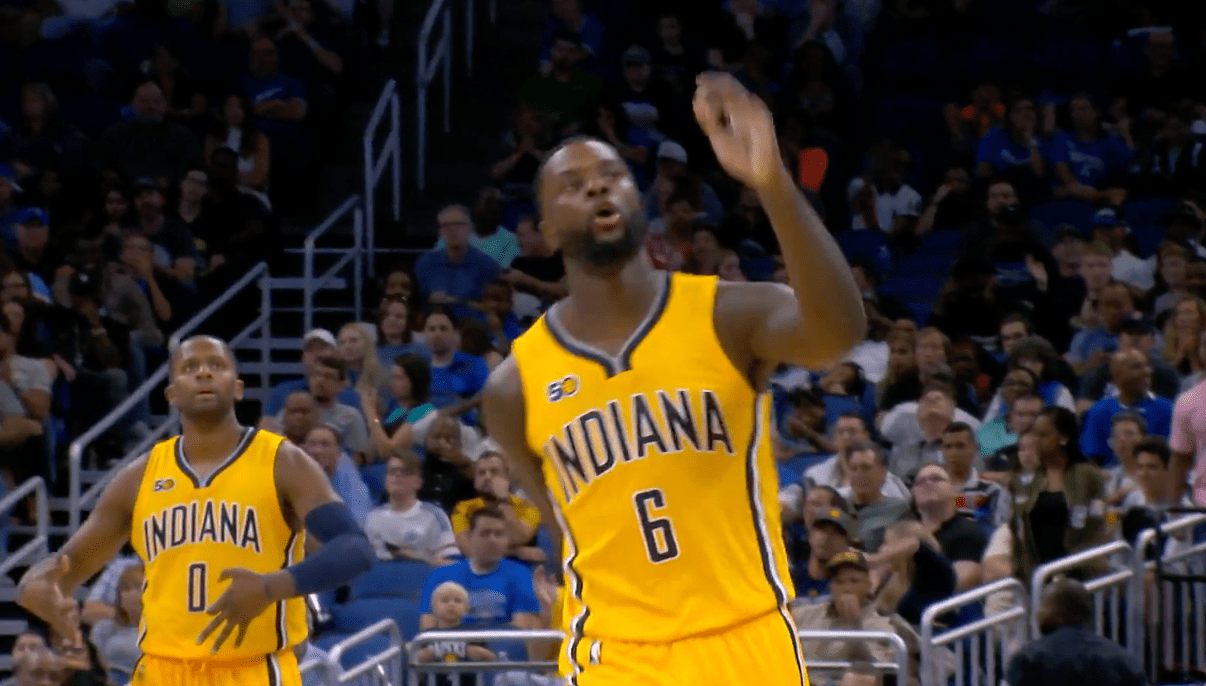 Lance Stephenson envoie le buzzer beater à trois points contre le Magic