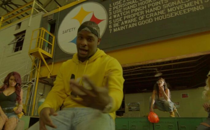 Machine - Le'Veon Bell des Steelers sort un premier clip