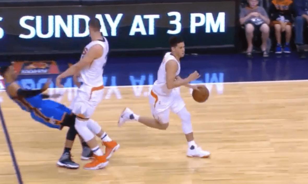 Westbrook se prend un tampon et Booker envoie à trois points