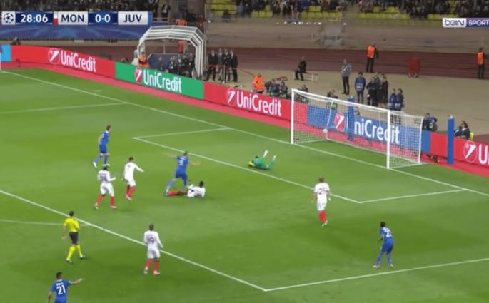 Gonzalo Higuain ouvre le score pour la Juventus Turin sur un but magnifique