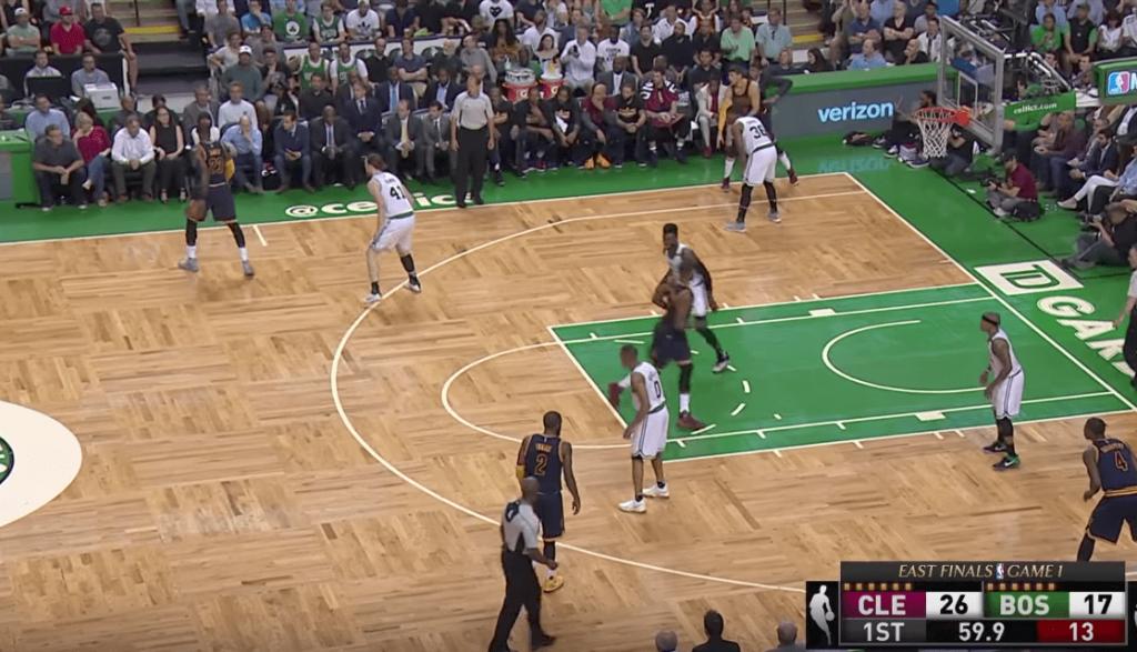 LeBron James n'a pas respecté la défense de Kelly Olynyk