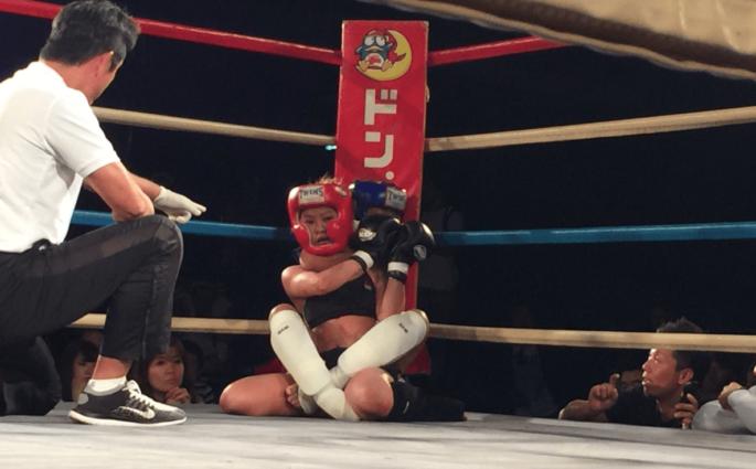 Momo, 12 ans, remporte ses débuts MMA par étranglement