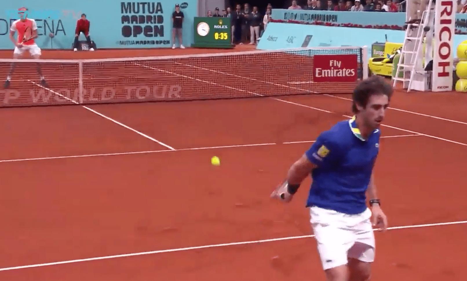 Pablo Cuevas claque le point de l'année contre Alexander Zverev