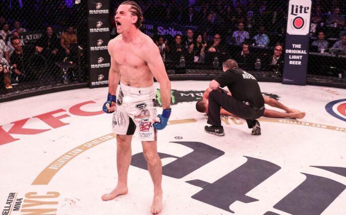 Zach Freeman combattant à mi-temps a vaincu Aaron Pico en 24s