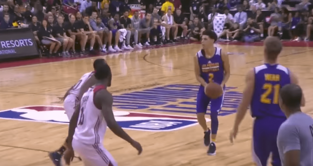 Lonzo Ball tape un deuxième triple double en Summer League