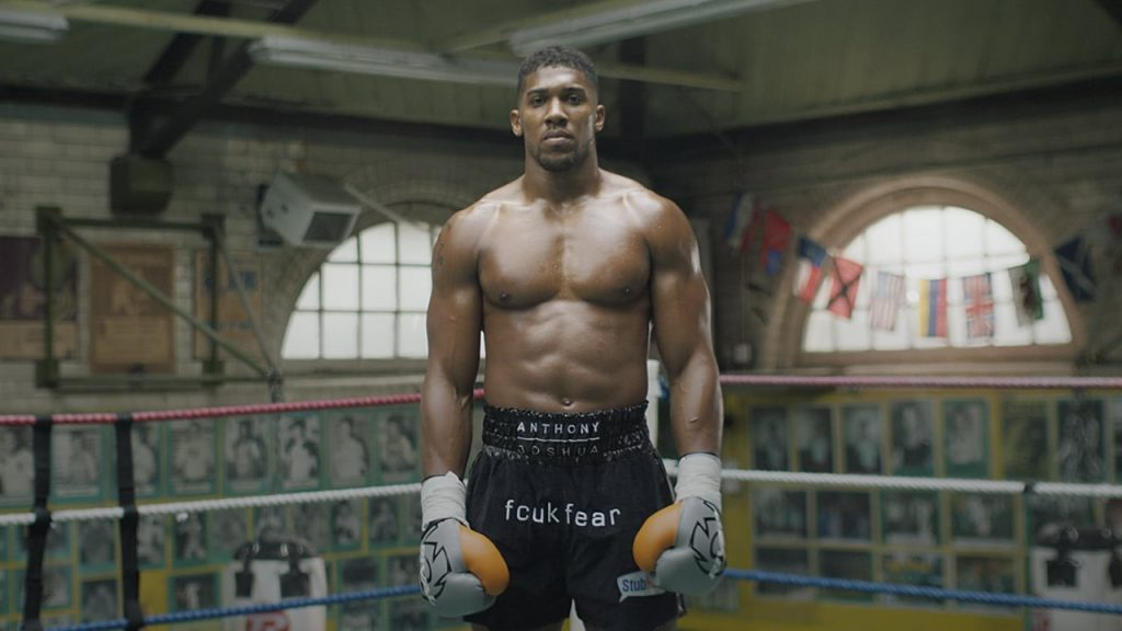 Anthony Joshua donne son favori pour Mayweather vs. McGregor