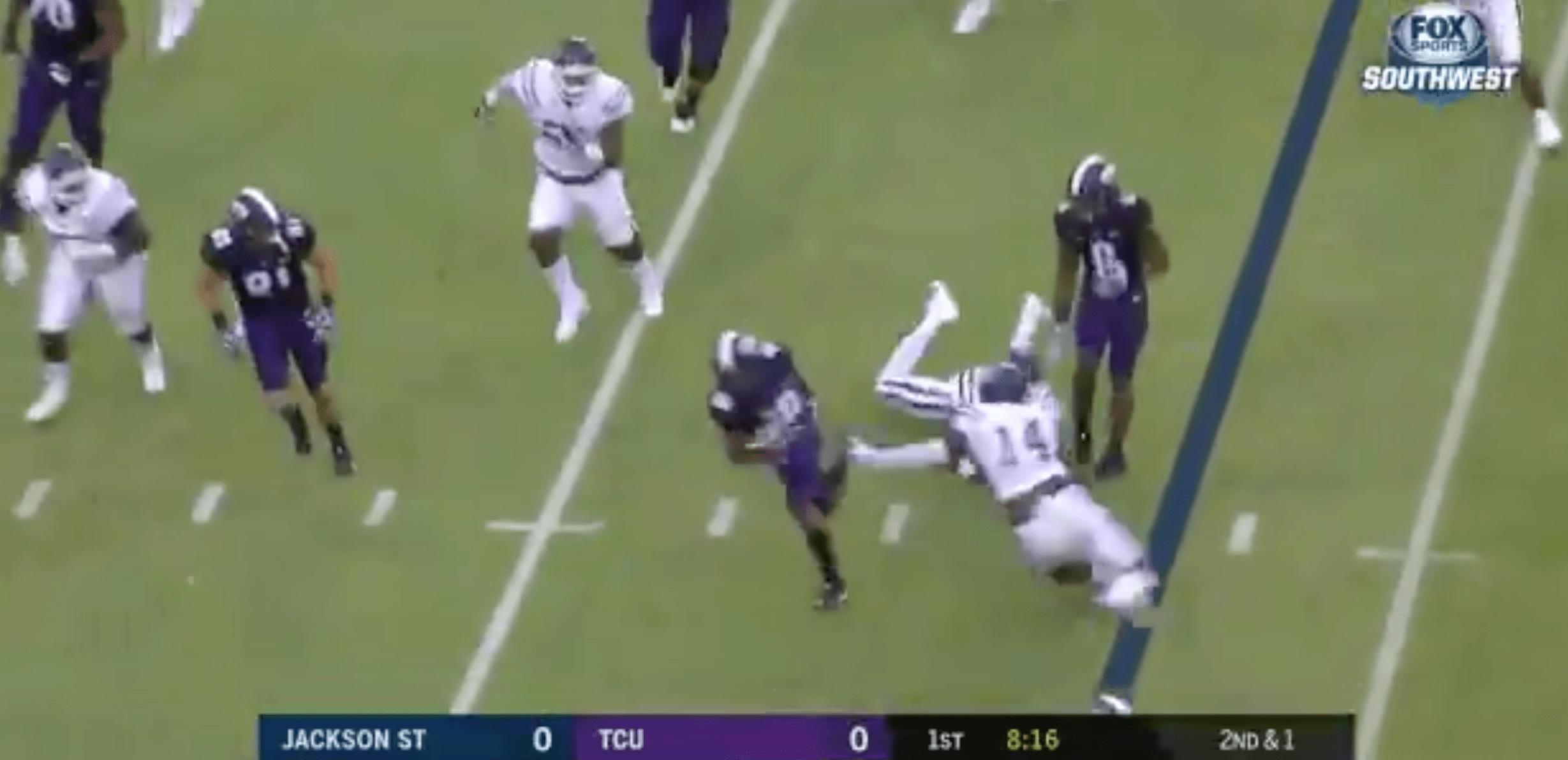 Kenedy Snell marque un touchdown de folie pour ses débuts à l'université