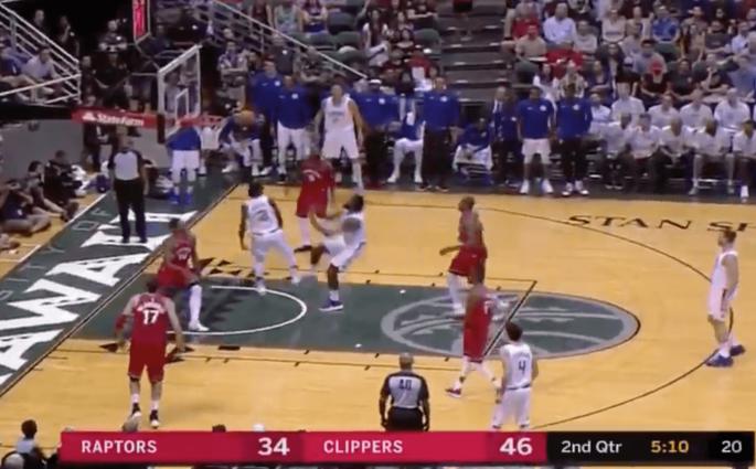 Le superbe mouvement des Clippers pour le gros alley-oop de DeAndre