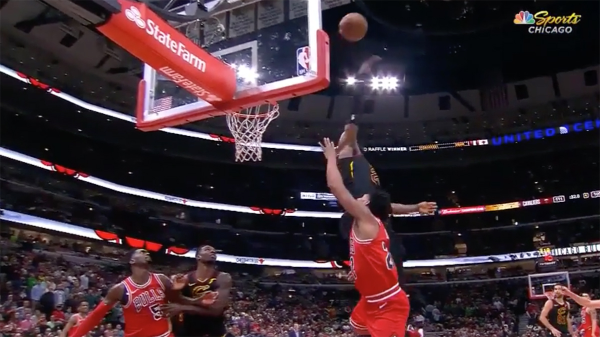 LeBron James block Bulls