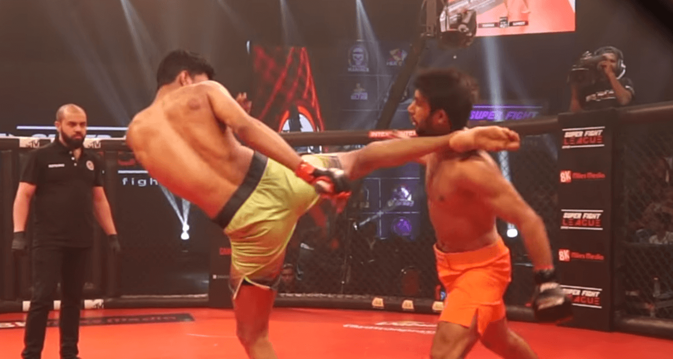 Sumeet Khade head kick KO