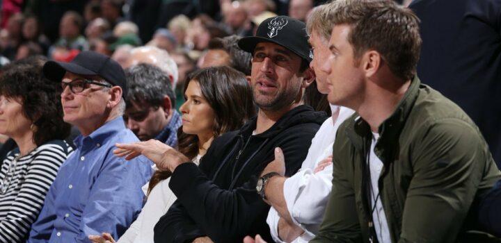 Aaron Rodgers devient actionnaire des Milwaukee Bucks