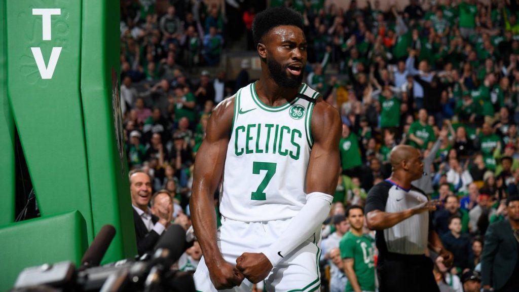 Jaylen Brown taille patron et les Celtics font le break au TD Garden